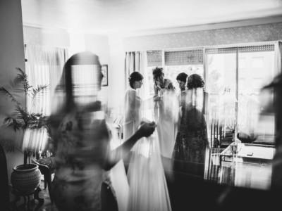 madrinas con el vestido de novia